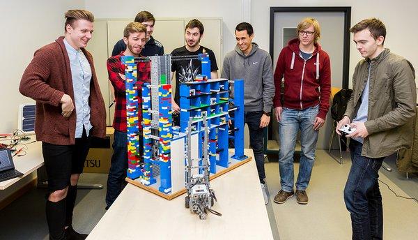 Studenten der Studiengänge Umwelttechnik und Interdisziplinäre Ingenieurwissenschaften